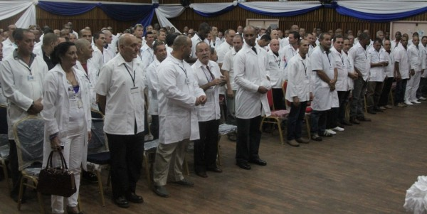HEALTH MINISTER WELCOMES CUBAN DOCTORS 4