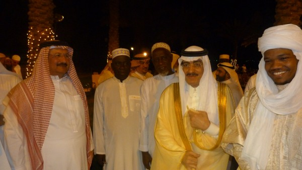 shekitoo-2nd-from-left-poses-with-dignitaries