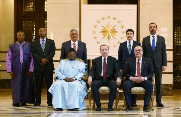 pres-erdogan-and-team-pose-with-amb-timbo-and-delegation-after-credentials-ceremony