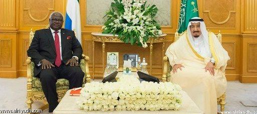 King Salman (right) receives President Koroma